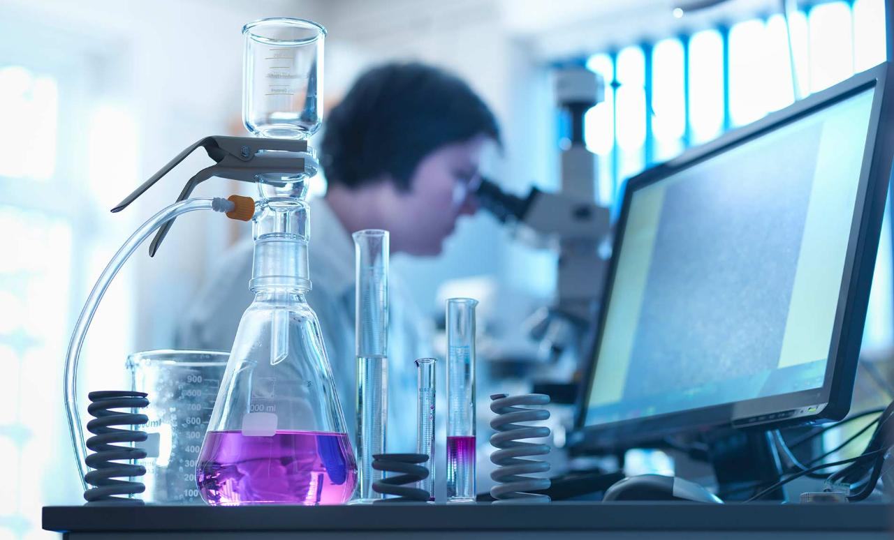 How Digitization is Transforming the Chemical Industry